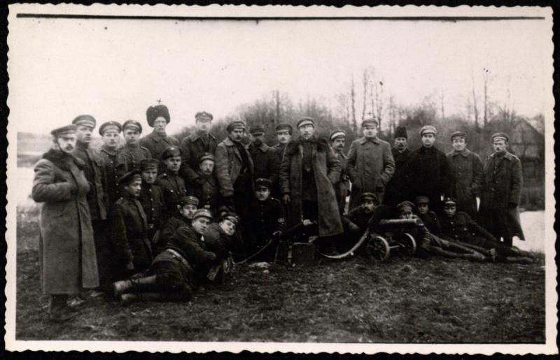 Sedos komendantūros kariai.