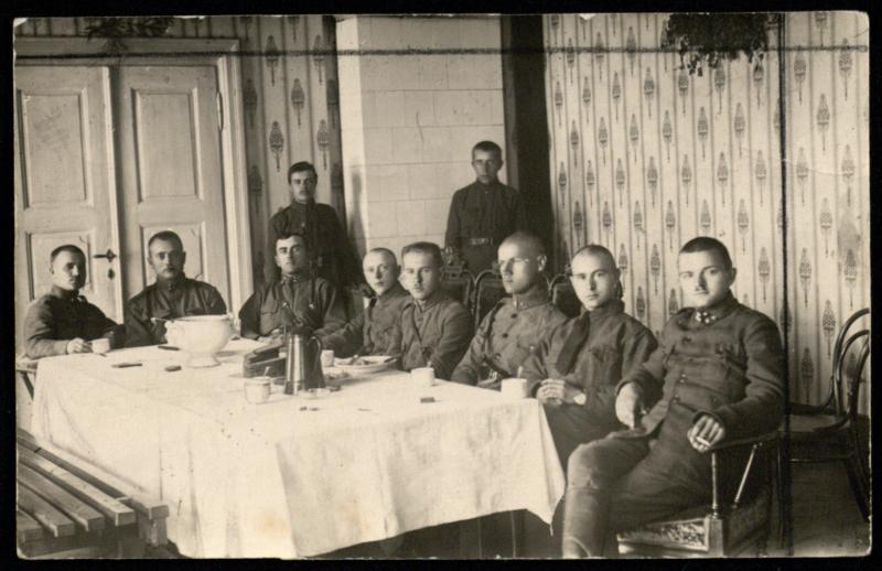 10-ojo pėstininkų pulko karininkai.