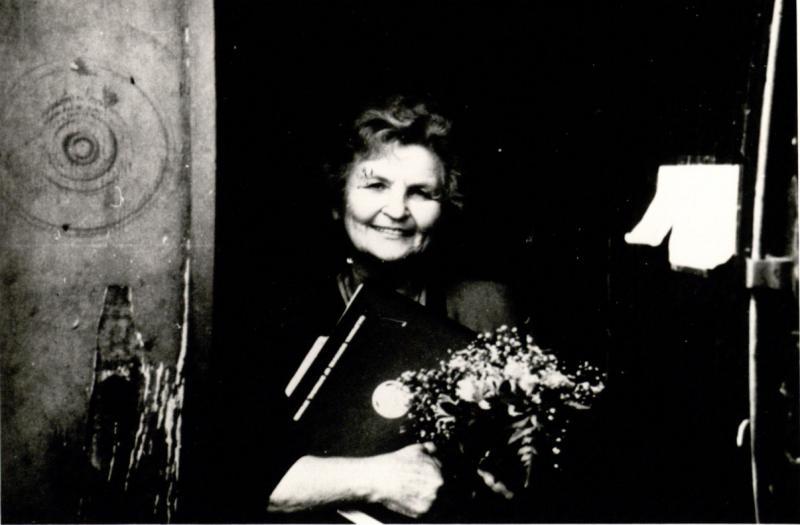 Marija Gimbutienė po Filosofijos mokslų garbės daktaro vardo suteikimo ceremonijos Integraliųjų studijų institute