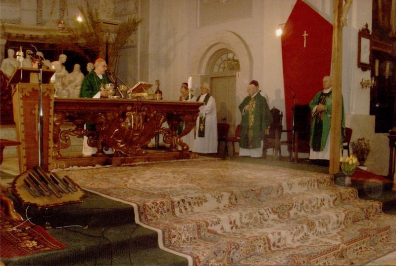 Šv. Mišios Vilniaus Švč. Mergelės Marijos Nekaltojo Prasidėjimo bažnyčioje. 2012 m.