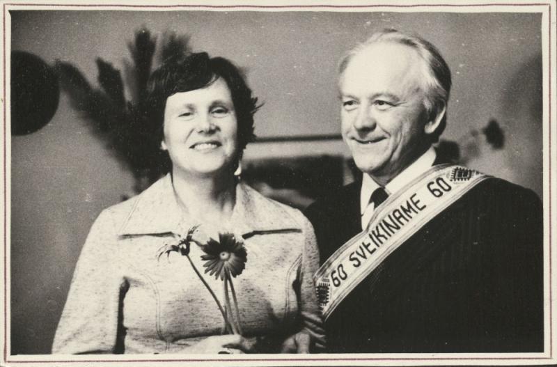 Elena Moncevičiūtė-Eringienė ir Kazys Ėringis. Kazio Ėringio 60 -asis gimtadienis.  1981 m.