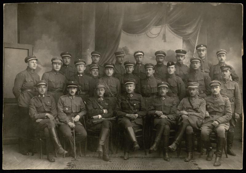 Aukštųjų karininkų kursų lektoriai ir klausytojai.