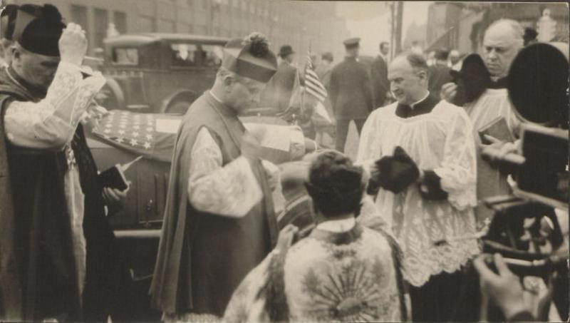 Arkivyskupas Jurgis Matulevičius Cicere (JAV) 1926 m. šventinant bažnyčią