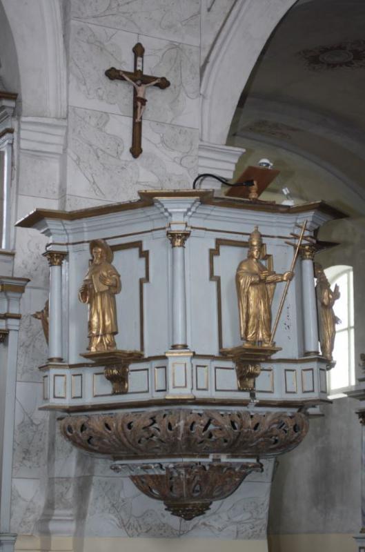 Sakykla su Bažnyčios tėvų skulptūromis, kairėje – Šv. Jeronimo skulptūra, XIX a.